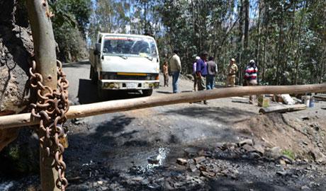 Trabajadores municipales de Pampas impiden ingreso de alcade Jesús Aranda 4