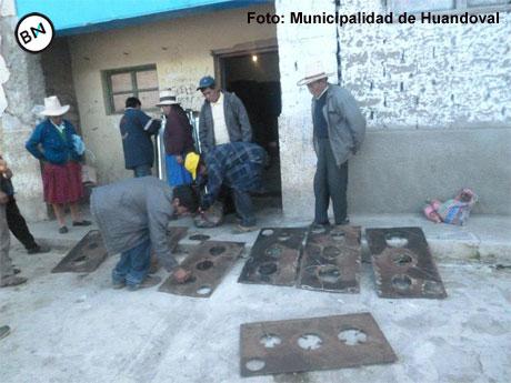 Municipalidad de Huandoval entrega cocinas mejoradas en Chauchara 25