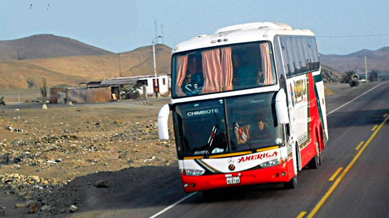 Ladrones desvalijan dos buses interprovinciales 16