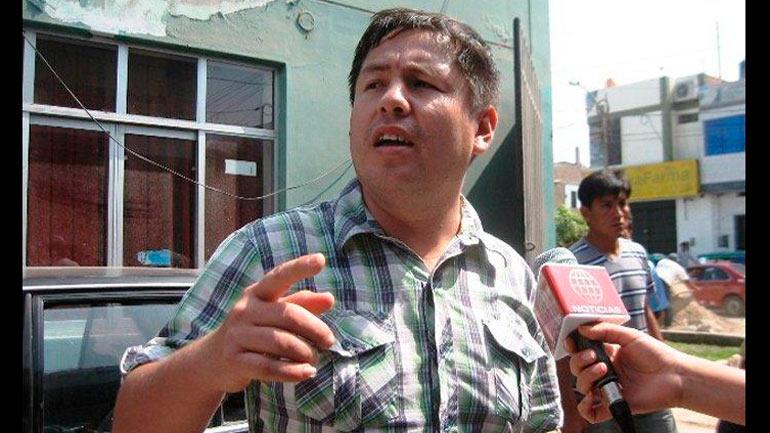 Hijos de congresista Crisólogo agreden a periodistas de #esnoticia 13