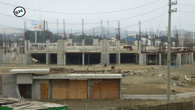Chimbote: Retiran maquinaria de la obra inconclusa Coliseo Cerrado 3