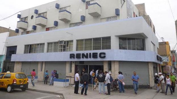 """RENIEC Chimbote retira del padrón electoral a """"presuntos golondrinos"""" 18"""