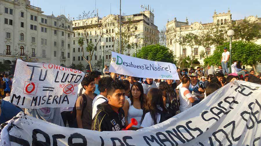 jovenes-en-las-calles-por-#leypulpin2