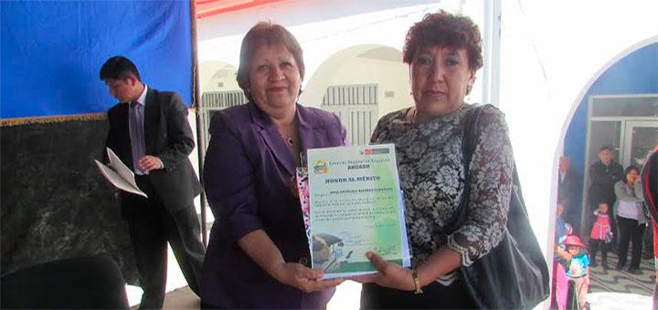 Huaraz: Maestros recibieron homenaje de DRE Ancash 13