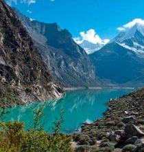 La Laguna 69 en Huaraz, Áncash, es una de las lagunas mas hermosas del mundo ademas de ser uno de los treks mas conocidos en el Perú.