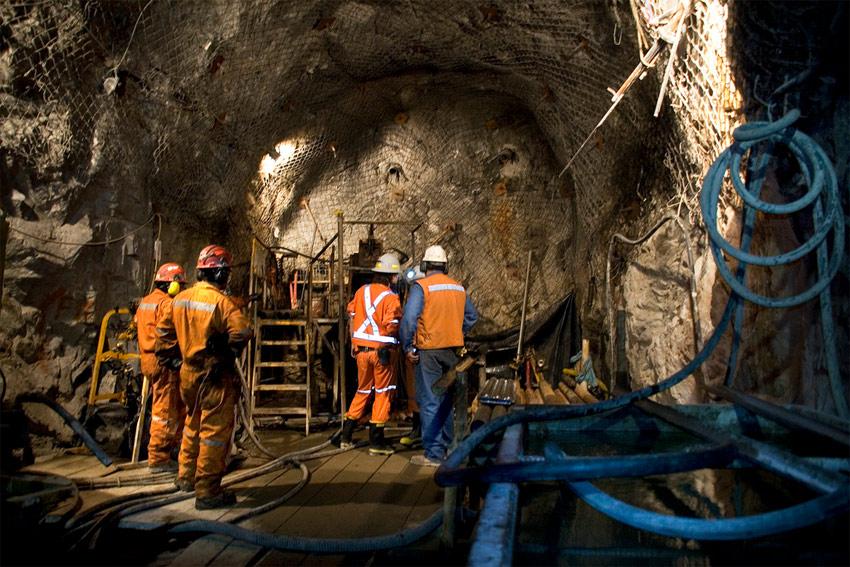 Mineras pagan menos tributos, pero reciben más por devolución de impuestos. 4