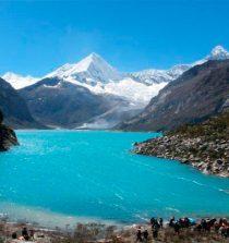 Laguna del Perú situada en la provincia de Huaylas en la región Áncash, Perú