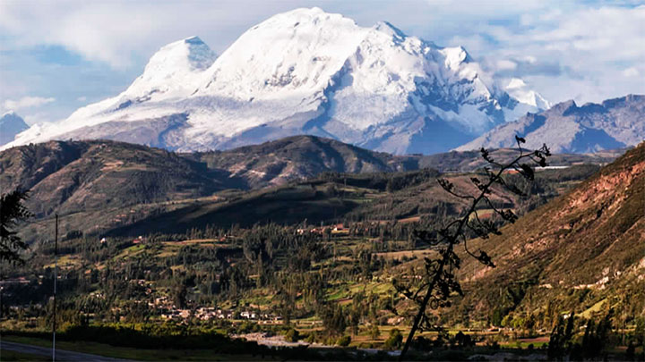 Nevado Huascarán, en la región Áncash, uno de los más imponentes del Perú.
