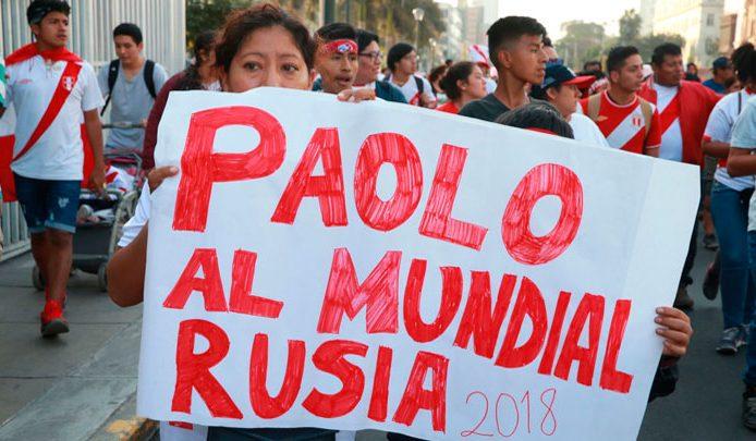 Hinchas marchan por Lima en respaldo a Paolo Guerrero. 33