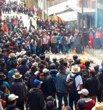 Ronderos queman archivos del Ministerio Público y Poder Judicial en Sihuas 15