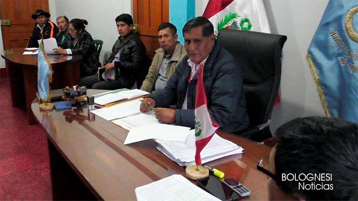 Conchucos convocan a sesión por solicitud de vacancia del alcalde