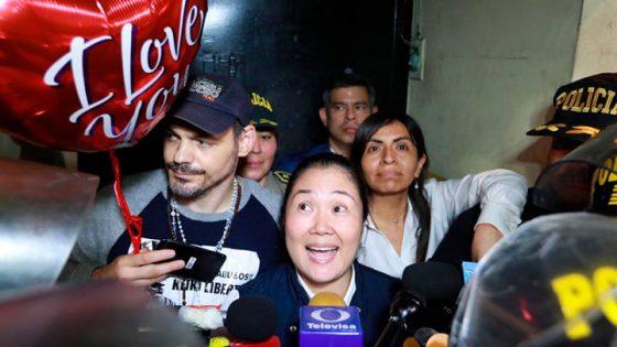 Keiko Fujimori abandona el penal de Chorrillos tras 13 meses de prisión.
