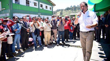 Acuerdan iniciar revocatoria al gobernador de Áncash