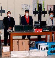 Corte del Santa entrega equipos informáticos y mobiliario a sedes periféricas