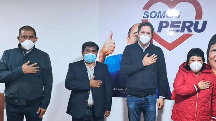 Gobernador de Áncash reaparece en Lima